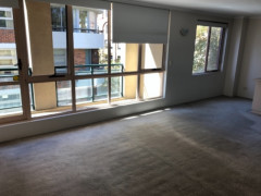 Pyrmont/MasterTwinRoom/a male