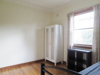 Perfect single room to share,