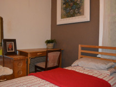 2 beds avail now, close city