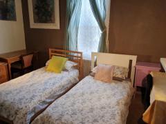 female room share close city