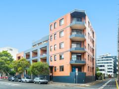 Sydney CBD one room for rent