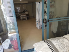 sunroom male in pyrmont $150