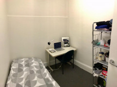 Own Room / 7 Minutes walk City