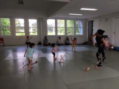 2歳から就学までの日本語と英語リズミック体操レッスン♪