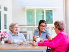 無給→有給 aged careインターンしませんか?