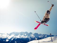 スキーリゾートに無料で住めるインターンシップ!