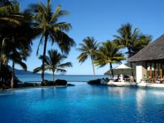 WAにある綺麗なビーチリゾートホテルでウエイター募集!