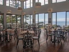海の見えるホテル レストランホール/キッチンスタッフ急募