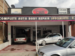 自動車鈑金工、自動車塗装工、自動車整備経験者を募集しています