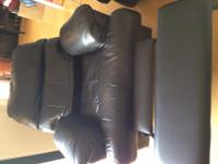 前面本革張りリクライニングソファー $100