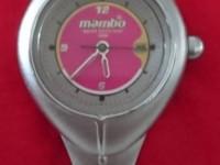 $20 女性用腕時計Manbo