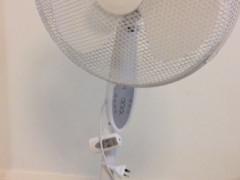 扇風機 (タイマー&リモコン付)