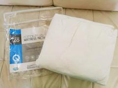 ベッドのマットレスプロテクター☆彡ダブル、クイーンサイズあり
