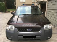 車売ります!$3500 Ford ESCAPE XLT