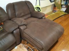無料:ソファー差し上げます