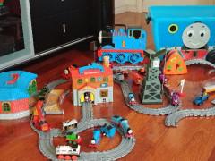 おもちゃ売ります。トーマスなどの電車セット他、多数あり