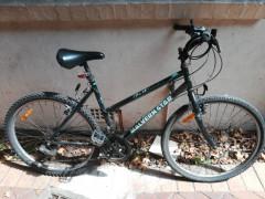 【今月まで】自転車売ります。ヘルメット,ライト付き