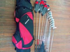 Brosnanゴルフクラブセット$190でお売りします♪