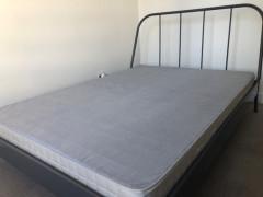IKEA ダブルベッド 120ドル