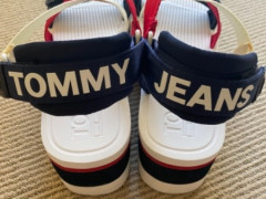 TOMMY JEANSの厚底サンダル $50