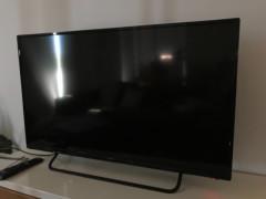 テレビ 40インチ