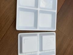 プラスチックの皿