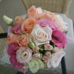 花嫁さんのお友達からのお便り♪ vol. 26 いろいろなソフトピンクのバラのブーケ♪