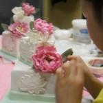 ケーキのデコレーション習ってみませんか? シュガークラフトは実用的な趣味にもなります