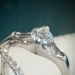 ソリテールダイヤモンドリングとエタニティーリング