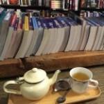 ボンダイビーチ近くの本が読めるカフェ「Gertrude & Alice Cafe Bookstore」