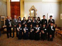 シドニー・名古屋交換留学プログラムの高校生12名がシドニー市役所を表敬訪問!