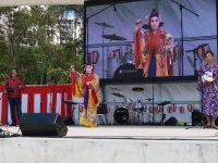 祭りジャパンフェスティバルでオリジナル曲「奇跡の島」を披露 / 飯島浩樹with豪州かりゆし会