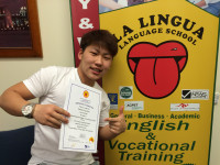 感想文「会話中心やから話すことが多くて、実生活で使える英語の授業は役に立った」