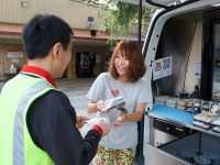 お寿司と笑顔を届けます!シドニーを駆るフードベンダー/伊藤麗