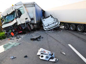 大型トラックと死亡事故