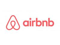 最近よく聞くairbnb。ホームステイとの違いは?