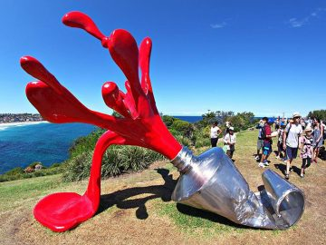 シドニー10月のイベント/ 初夏の海沿いを歩きアートを楽しもう