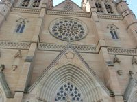 英語コースのアクティビティー。St Mary's Cathedralへ課外学習!