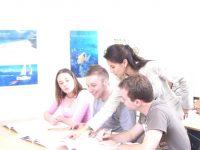 最低費用で学生ビザに切り替え、または学生ビザの延長!