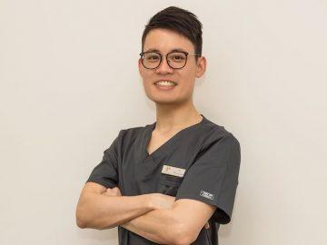 ●土曜も日本語堪能なクリス歯科医が診療!今月歯科検診無料