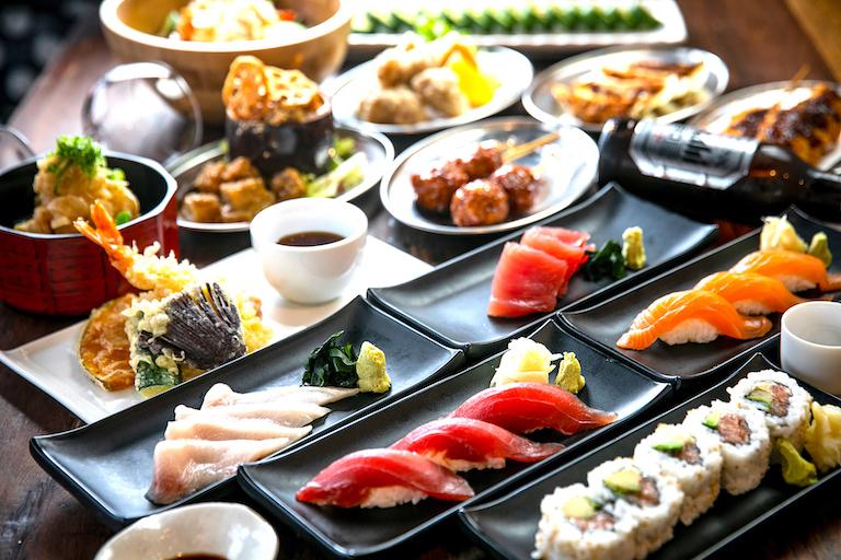 料理やお酒が破格の$7.9!「Izakaya79」がオープン