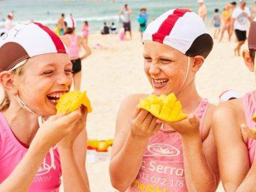 12月のシドニーイベント/ボンダイビーチでマンゴーまみれに!