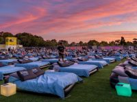 1月のシドニーイベント/星空の下、ベッドで映画鑑賞!