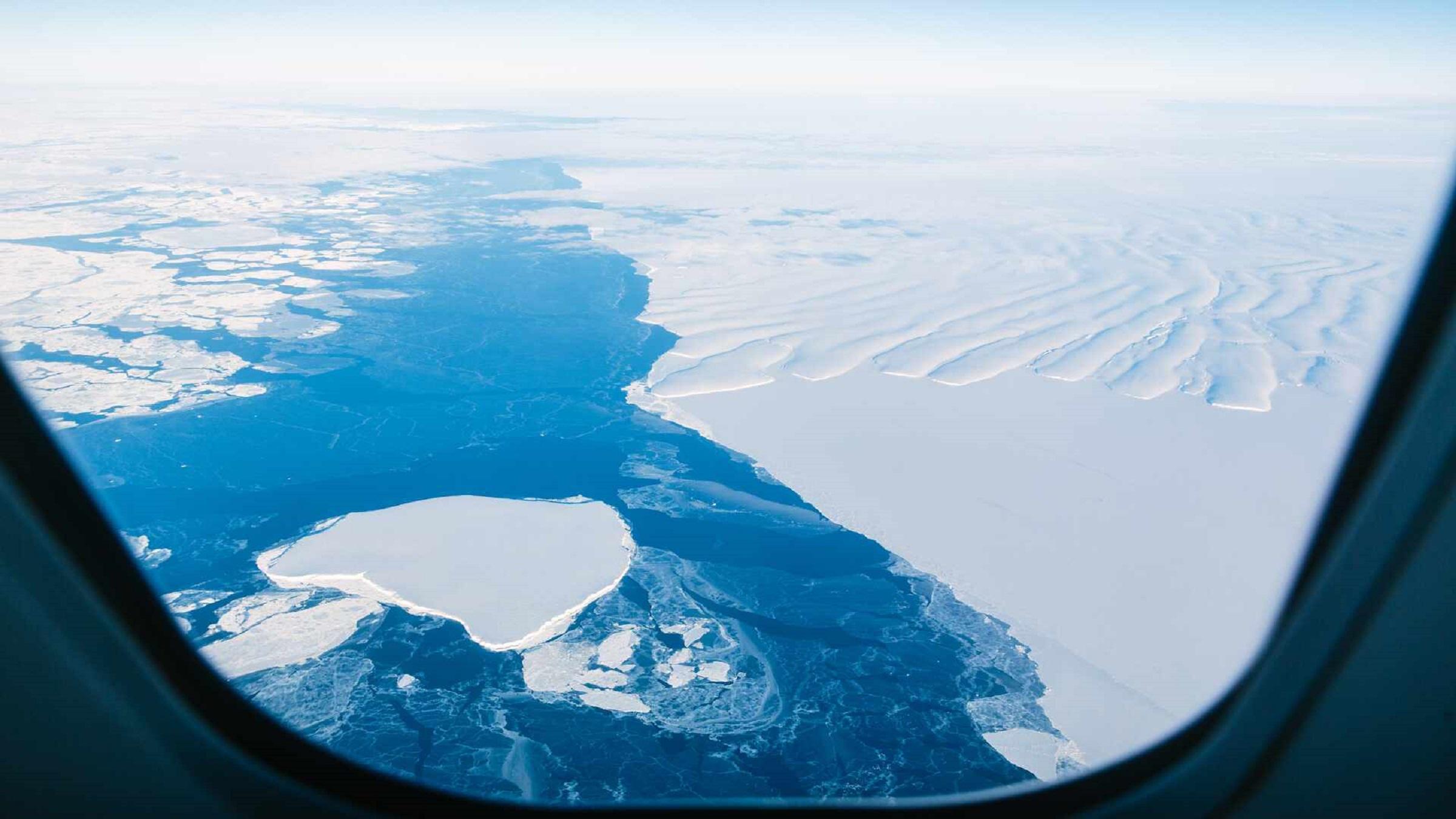 南極の上を遊覧飛行してみませんか?1199ドル~ 残り7席!