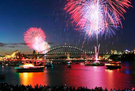 今年は年越し花火は開催されるの??クルーズ船から観てみませんか?