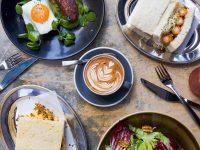 可愛いカフェの立ち並ぶ、人気エリアのDEVON Cafe