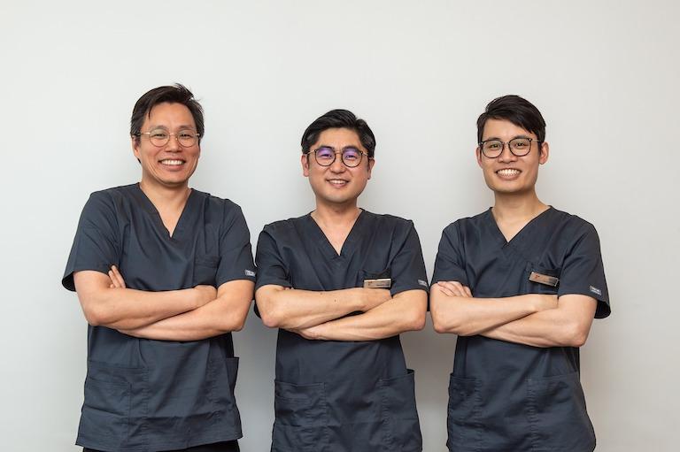 最終的に満足度の高い矯正や、リピートの多さに自信の歯科を紹介