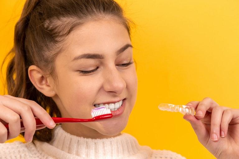 【$200分のギフトあり】歯並びを整えて出会いの印象をプラス