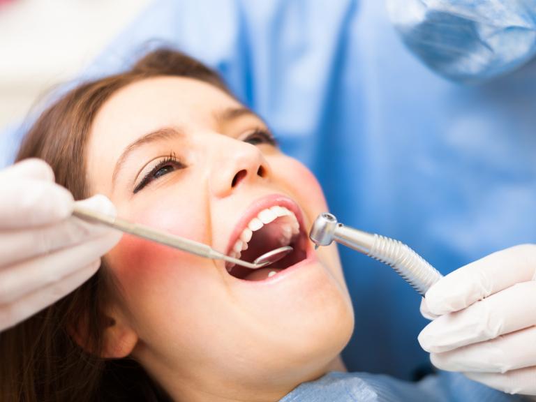 【4月限定】学生・ワーホリは歯科治療費が10%割引に!