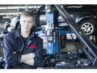 自動車整備コースで学生ビザGET+手に職を!